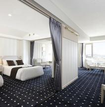 ルーク プラザ ホテル