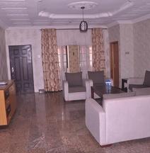 Aliz Ambruz Hotel