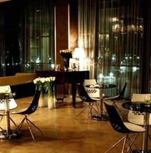 Отель «Золотой Затон»