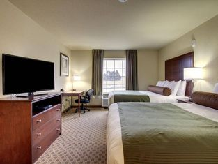 Cobblestone Inn and Suites Cambridge
