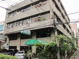 RedDoorz @ Junquera Extension Cebu