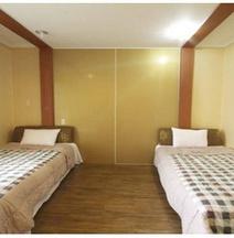 納維許飯店及旅館
