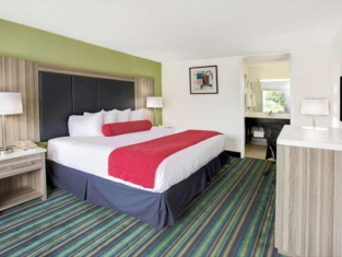 Ramada by Wyndham Fort Lauderdale Airport/Cruise Port
