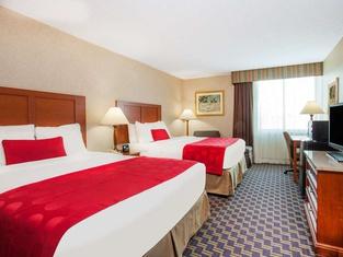 Ramada by Wyndham Jacksonville/Baymeadows Hotel & Conf Cntr