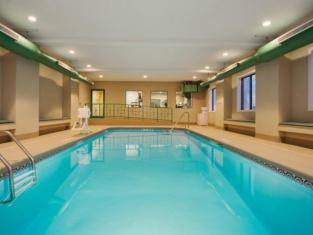 Holiday Inn Express Hotel & Suites Kalamazoo
