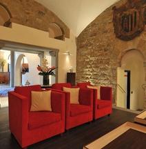 迪格里奧拉費酒店