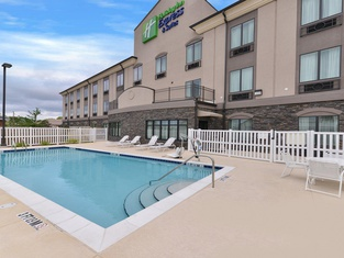Holiday Inn Express & Suites FT. Walton BCH - Hurlburt Area