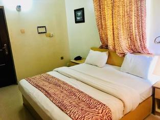 Mignonette Hotel & Suites