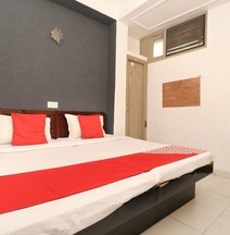 Hotel Amrit