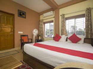 OYO 12751 Greenwood Hotel