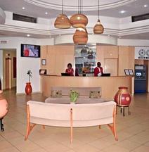 アザライ グランド ホテル バマコ