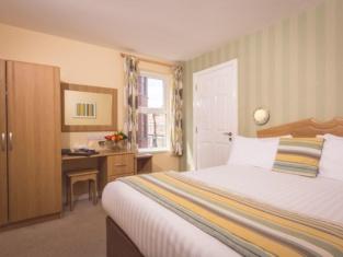 Malone Lodge Hotel & Apartments