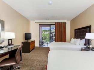 Hilton Promenade Branson Landing