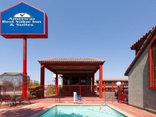 America's Best Value Inn & Suites Bakersfield Central