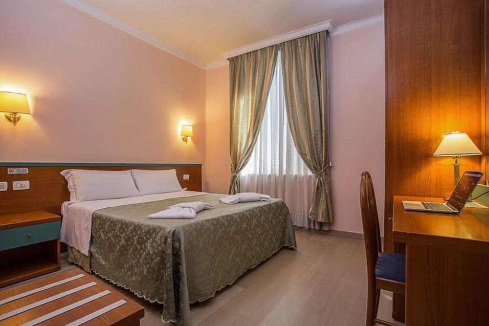 Hotel Center 3