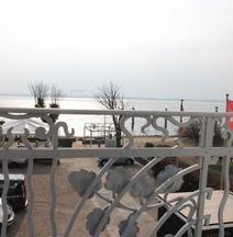布蘭克尼茲海濱酒店