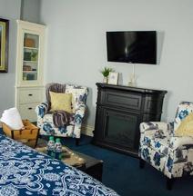 Evans Holly Grove Inn Bed and Breakfast