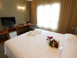 Bourbon Joinville Hotel