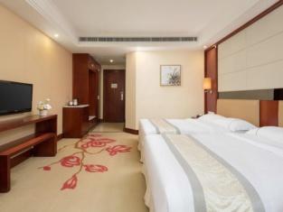 River Rhythm Hotel
