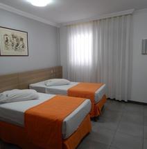 菲玛斯潘普利亚酒店