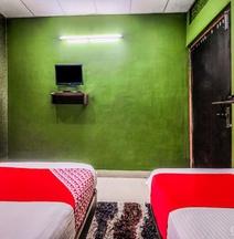 OYO 4518 Hotel Parashuram