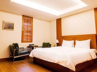 Amber City Hotel