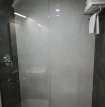 ホテル ヴィジャイ ファブリス
