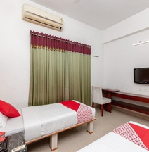 OYO 4617 Lotels Serviced Apartment