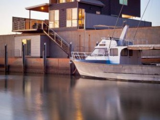 9 Cobia - Private Berth - for up to 8m Boat and Free Wifi