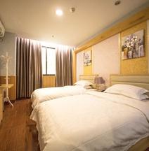 Yijia Hostel