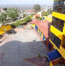 Hotel Villas de Santiago Inn