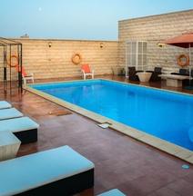 Golden Ocean Hotel