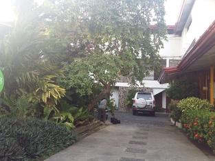 Antonio's Pension House
