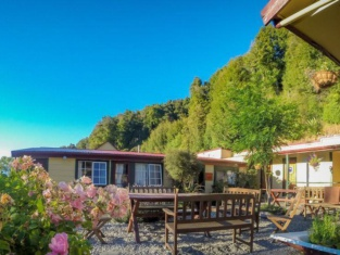 Kinloch Lodge (YHA Glenorchy)