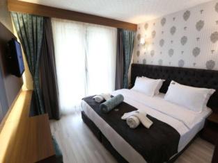 Castillo Luxury Rooms & Suites