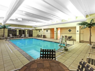 Holiday Inn & Suites Springfield - I-44