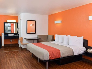 Motel 6 Valdosta GA