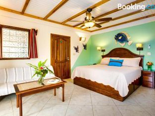 Buttonwood Guest House