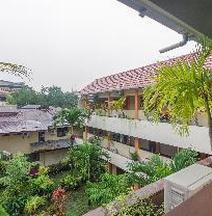 RedDoorz Near Jalan Samratulangi 2 Manado