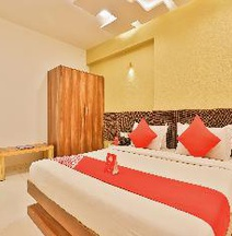 OYO 10749 Hotel Neelkanth Bliss