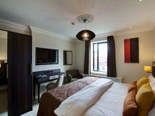 Hotel 7