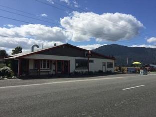 Kokatahi Valley Country Inn