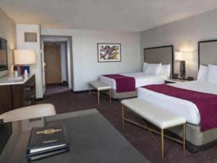 Suncoast Hotel and Casino
