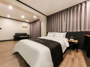 Hotel Adel
