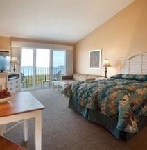 Pointes North Beachfront Resort Hotel