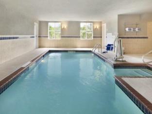 Hotel Classio Inn and Suites
