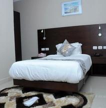 Geza Apartment Hotel