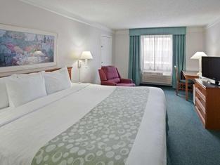 La Quinta Inn by Wyndham Omaha West