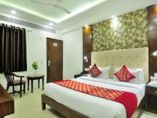 Capital O 2242 Hotel Yuvraj Deluxe