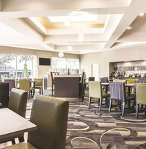 La Quinta Inn & Suites by Wyndham Shreveport Airport